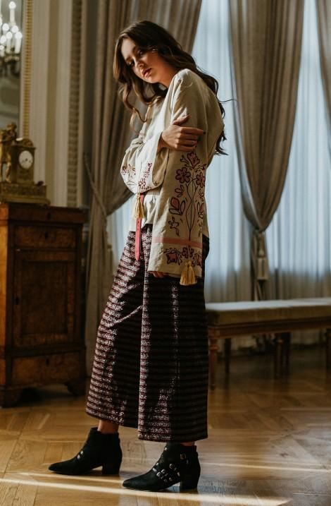 Вишиванка та вишита сукня