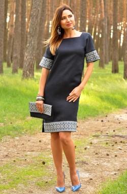 Темно-синя жіноча коротка сукня-вишиванка з льону