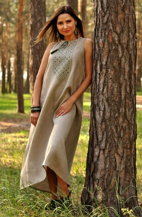 Довга сіра літня жіноча сукня-вишиванка з льону