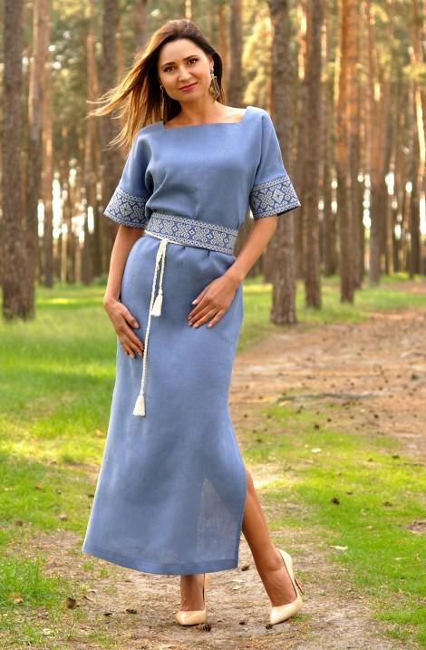 Блакитна довга літня жіноча сукня-вишиванка з льону