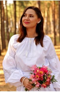 Біла весільна сукня-вишиванка з білосніжного натурального льону