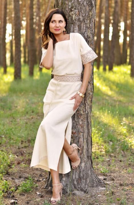 Довга бежева жіноча сукня-вишиванка з 100% льону