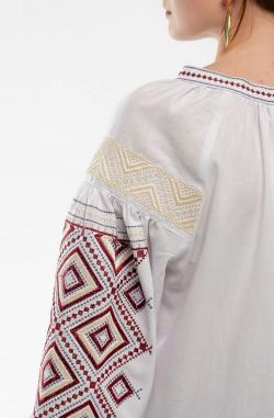 Чоловіча вишиванка та жіноча сукня-вишиванка